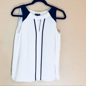 Vince Camuto black and white sleeveless xs top